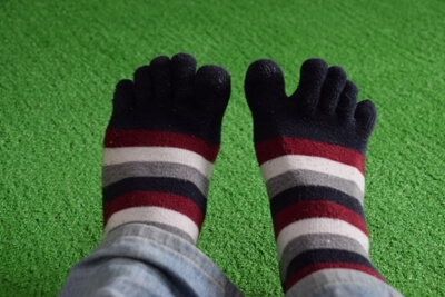 足のかゆみの再発防止策(5本指靴下)